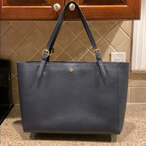 Tory Burch Handbags - Authentic Tory Burch York Navy Leather Tote